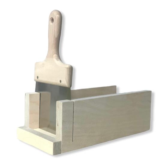Κόφτης ξύλινος σαπουνιού με κοπτικό 140mm (ανοξείδωτη σπάτουλα με ξύλινη χειρολαβή)